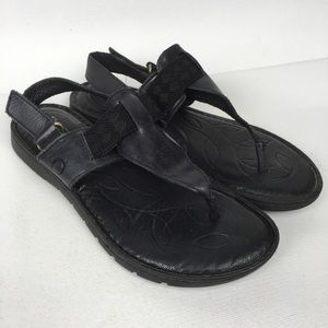 BØRN Black Leather Thong Sandals Sz 7M